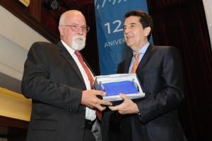 Hugo Kranjc recibe el premio a Cargill como mayor exportadora.