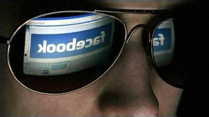 """Cuarentena virtual: ¿puede el Gobierno """"patrullar"""" las redes sociales?"""
