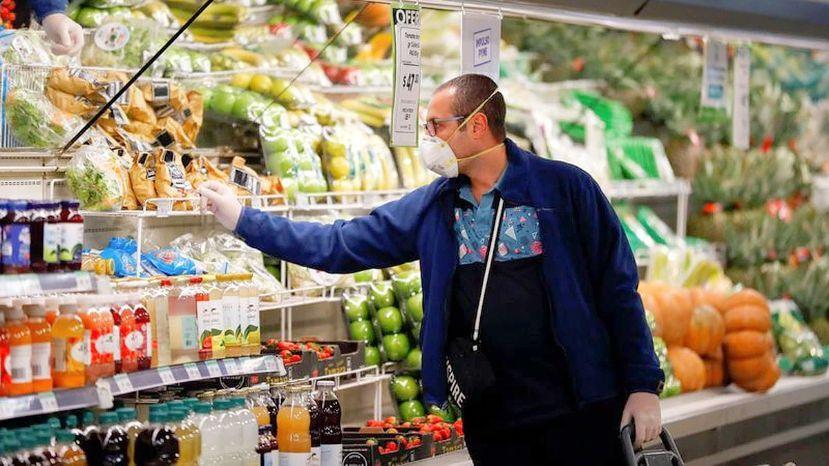 Según el INDEC hasta la venta de alimentos cayó en Julio